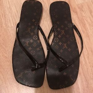 Used LV sandals